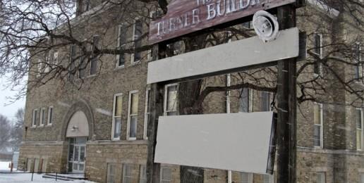 Illinois Cracks Down on Abortion Clinics