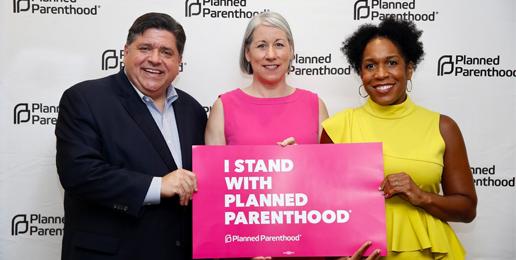 En Español: Gobernador Pritzker Celebra el Aborto con Planned Parenthood
